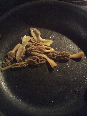 morels in the pan